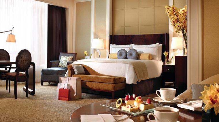 Property FourSeasonsMacau Hotel GuestroomSuites PremierRoom CreditFourSeasons