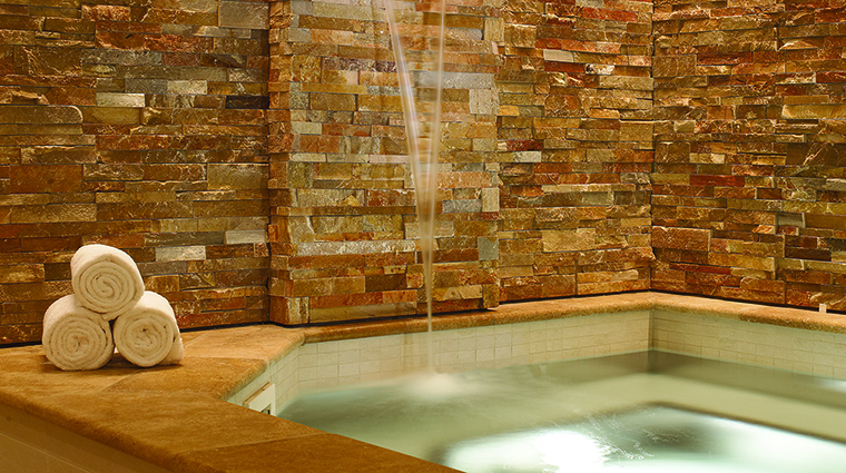 Property FourSeasonsResort&ResidencesVail Hotel Spa Jacuzzi FourSeasonsHotelsLimited