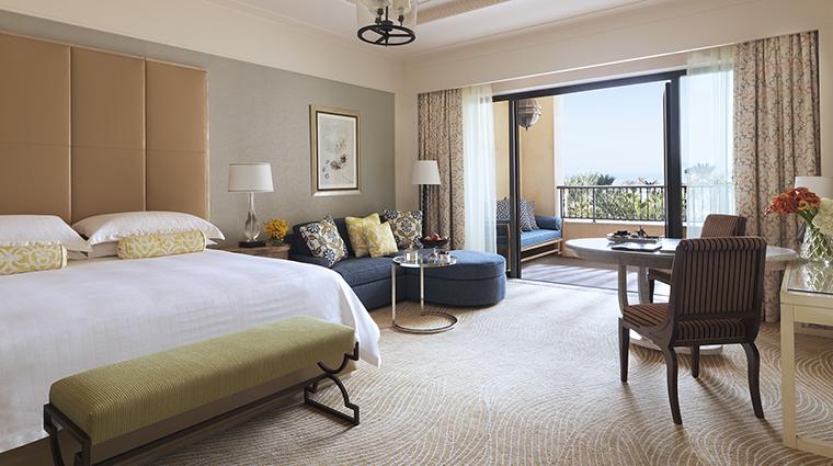 Property FourSeasonsResortDubaiatJumeirahBeach Hotel GuestroomSuite DeluxeRoom FourSeasonsHotelsLimited