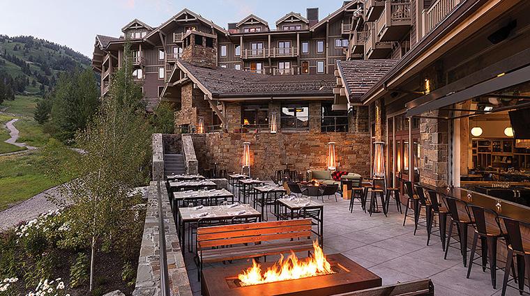 Property FourSeasonsResortJacksonHole Hotel BarLounge TheHandleBarOutdoorPatio FourSeasonsHotelsLimited