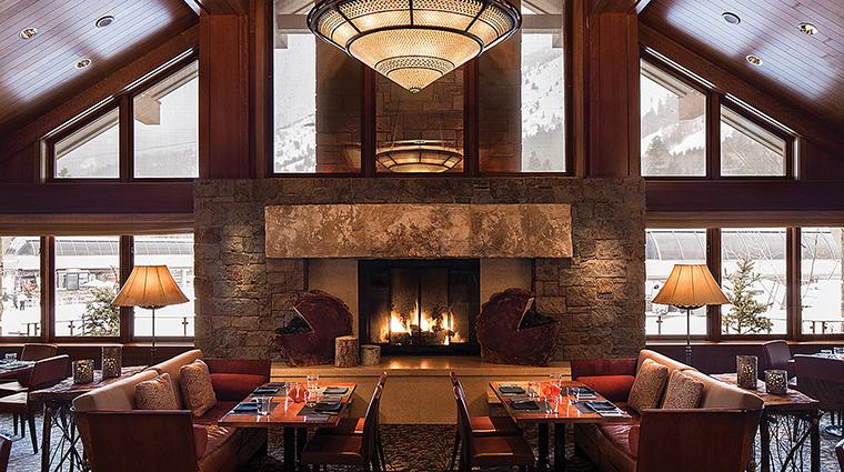 Property FourSeasonsResortJacksonHole Hotel Dining WestbankGrill FourSeasonsHotelsLimited