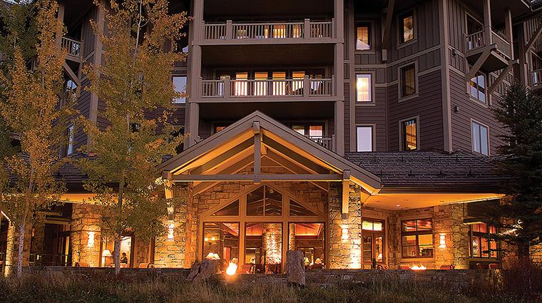 Property FourSeasonsResortJacksonHole Hotel Exterior HotelExterior FourSeasonsHotelsLimited