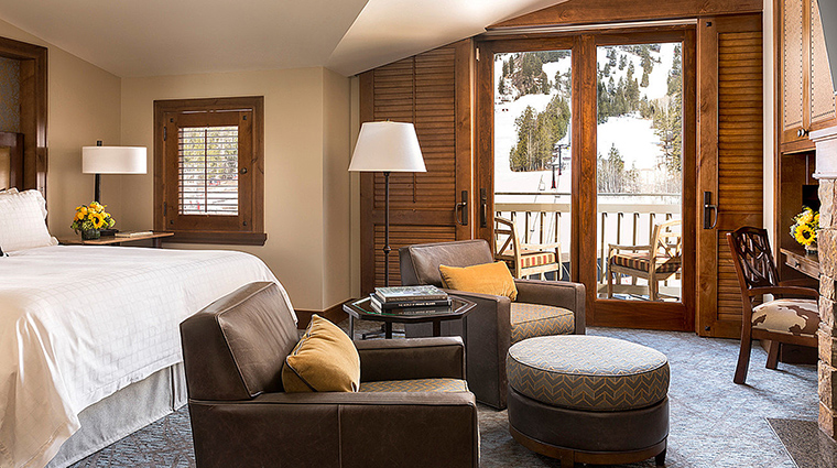 Property FourSeasonsResortJacksonHole Hotel GuestroomSuite MountainViewRoom FourSeasonsHotelsLimited