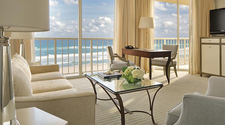 Property FourSeasonsResortPalmBeach 3 Hotel GuestroomSuite OceanfrontSuite LivingRoom CreditFourSeaons