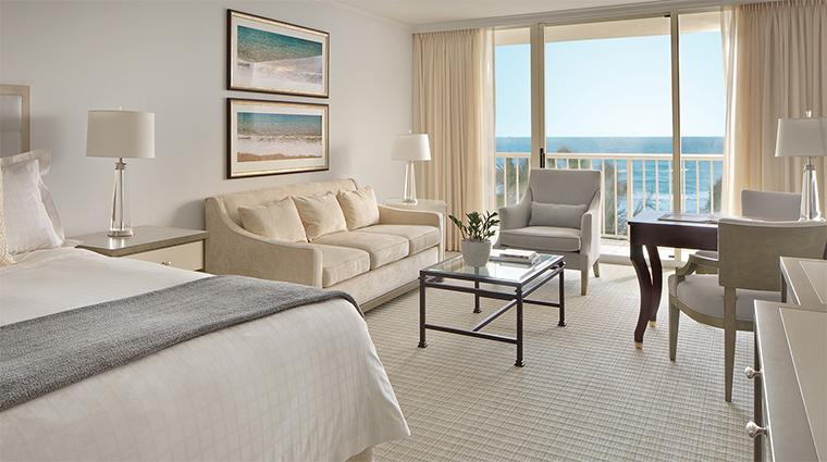 Property FourSeasonsResortPalmBeach 5 Hotel GuestroomSuite PremierOceanViewRoom Bedroom CreditFourSeaons