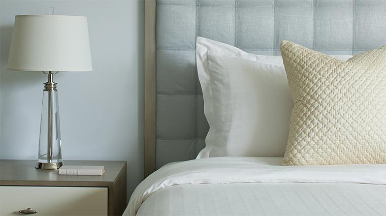 Property FourSeasonsResortPalmBeach 6 Hotel GuestroomSuite GuestroomDetail CreditFourSeaons