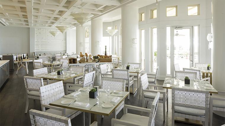 Property FourSeasonsResortPalmBeach 9 Hotel Restaurant Graze DiningRoom CreditTamborine