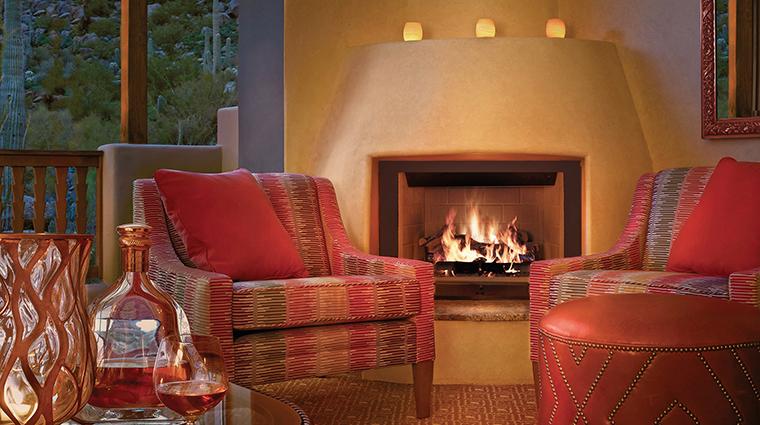 Property FourSeasonsResortScottsdaleatTroonNorth 8 Hotel GuestroomSuite CasitaRoom Fireplace CreditBarbaraKraft FourSeasons