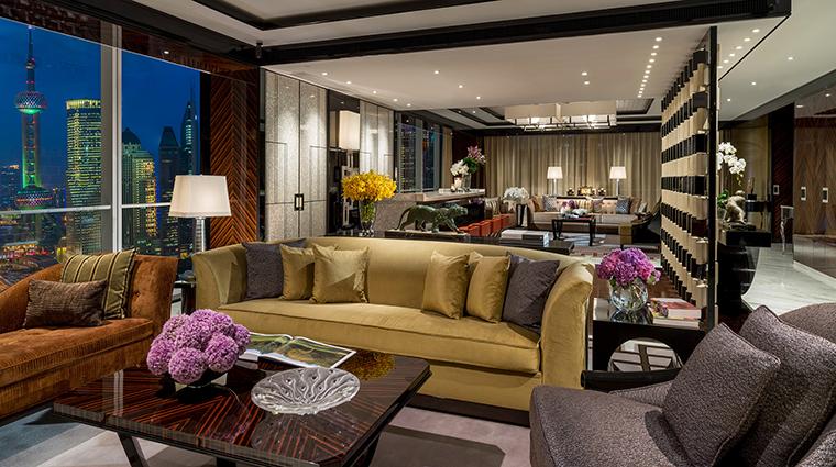 Property FourSeasonsShanghaiPudong 2 Hotel GuestroomSuite PresidentialSuite LivingRoom CreditKenSeet FourSeasons