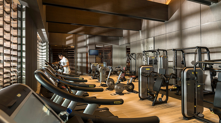 Property FourSeasonsShanghaiPudong 9 Hotel PublicSpaces FitnessCenter CreditKenSeet FourSeasons