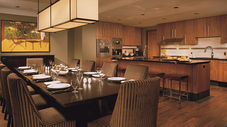 Property FourSeasonsWhistler Hotel GuestroomsSuites FourBedroomandDenResortResidence 2 CreditFourSeasons