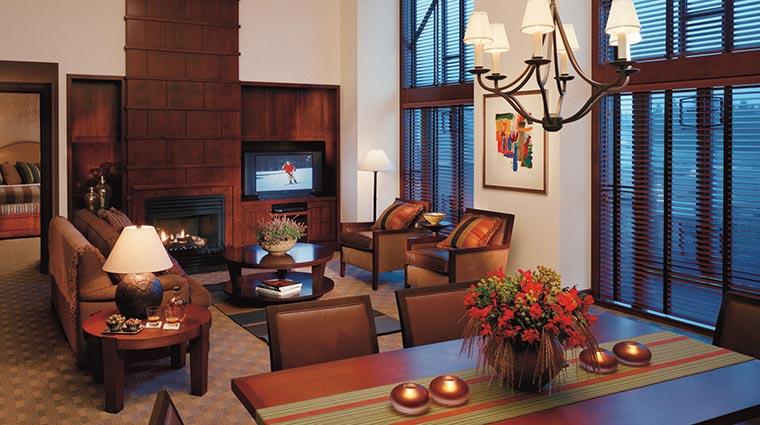 Property FourSeasonsWhistler Hotel GuestroomsSuites TwoBedroomPremierSuite CreditFourSeasons