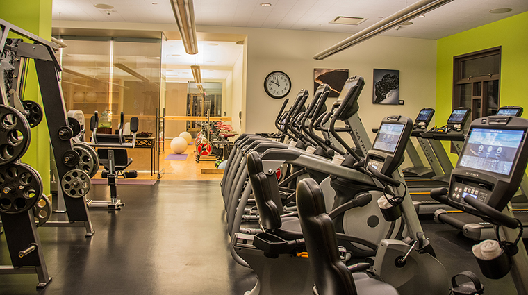 Property FourSeasonsWhistler Hotel PublicSpaces FitnessCenter.3 CreditFourSeasons