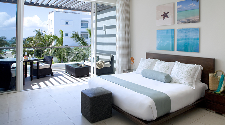 Property GansevoortTurks&Caicos Hotel GuestroomSuites PoolViewStudioBed GansevoortHotelGroup