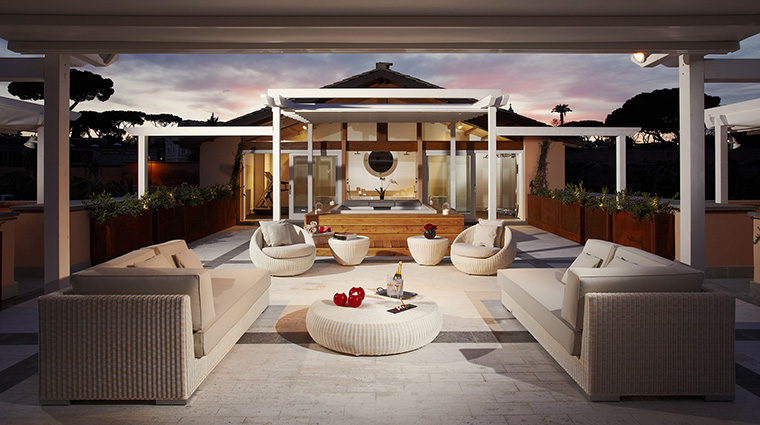 Property GranMeliaRomeVillaAgrippina Hotel GuestroomSuite EmperorPenthouseMasterSuiteTerrace MeliaHotels&Resorts