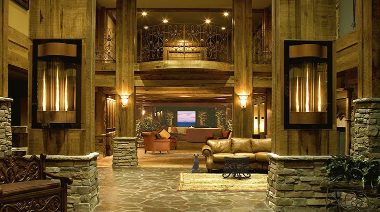 Property GrandCascadesLodge Hotel 3 PublicSpaces Lobby CreditCrystalSpringsResort