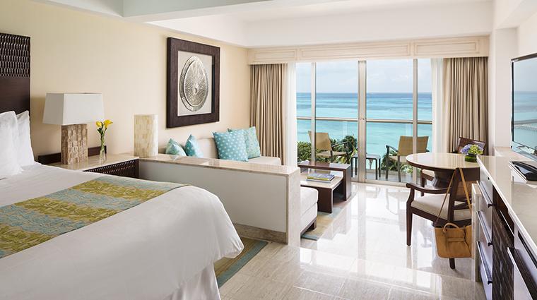 Property GrandFiestaAmericanaCoralBeach Hotel GuestroomSuite JuniorSuite GrandFiestaAmericanaHotels&Resorts