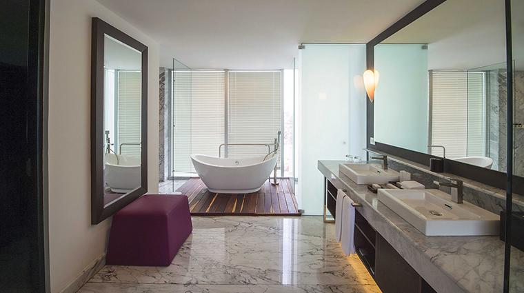 Property GrandFiestaAmericanaPueblaAngelopolis Hotel GuestroomSuite PresidentialSuiteBathroom GrupoPosadas