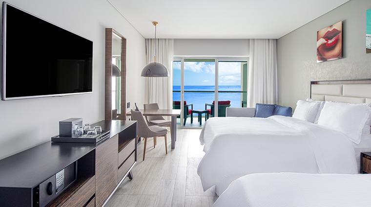 Property GrandFiestaAmericanaPuertoVallarta Hotel GuestroomSuite GrandJuniorDoubleSuitewithJacuzzi GrandFiestaAmericanaHotels&Resorts