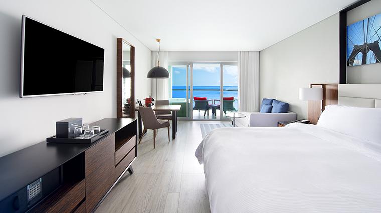 Property GrandFiestaAmericanaPuertoVallarta Hotel GuestroomSuite GrandJuniorSuitewithJacuzzi GrandFiestaAmericanaHotels&Resorts