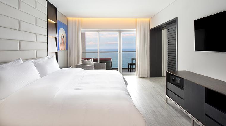 Property GrandFiestaAmericanaPuertoVallarta Hotel GuestroomSuite MasterSuiteBedroom GrandFiestaAmericanaHotels&Resorts