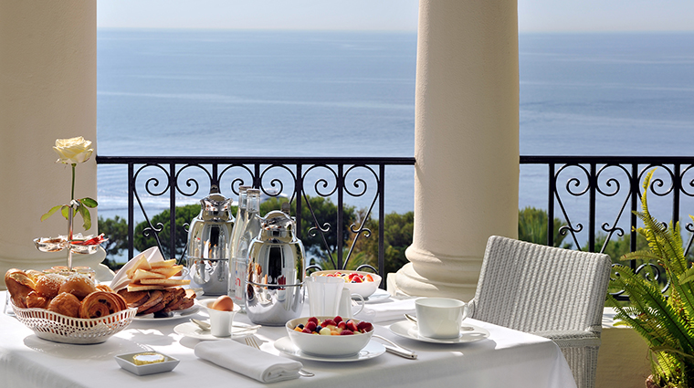 Property GrandHotelCapduFerrat Hotel GuestroomSuite SuiteTerraceBreakfast FourSeasonsHotelsLimited