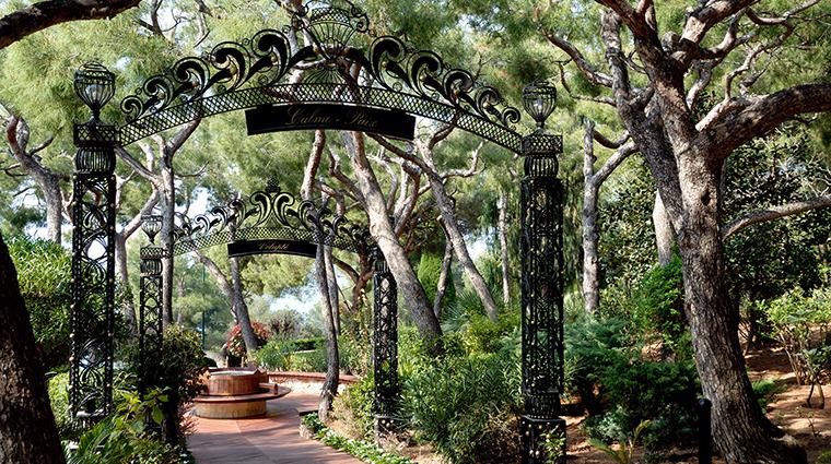 Property GrandHotelCapduFerrat Hotel PublicSpaces Garden2 FourSeasonsHotelsLimited
