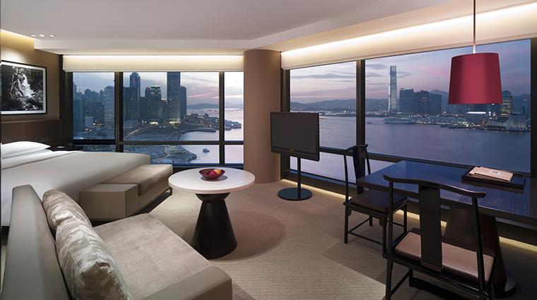 Property GrandHyattHongKong Hotel GuestroomSuites ExecutiveRoom HyattCorporation