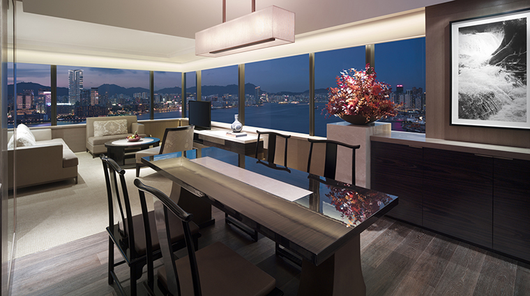 Property GrandHyattHongKong Hotel GuestroomSuites GrandExecutiveHarbourSuiteLivingRoom HyattCorporation