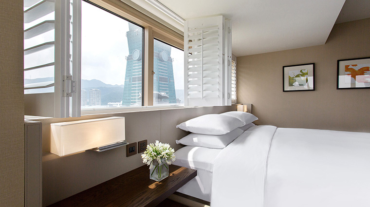Property GrandHyattTaipei Hotel GuestroomSuite ExecutiveSuiteBedroom HyattCorporation