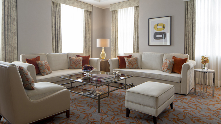 Property GrosvenorHouse Hotel GuestroomSuite ParkViewSuiteLivingRoom MarriottInternationalInc