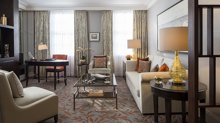 Property GrosvenorHouse Hotel GuestroomSuite PremiumExecutiveSuiteLivingRoom MarriottInternationalInc