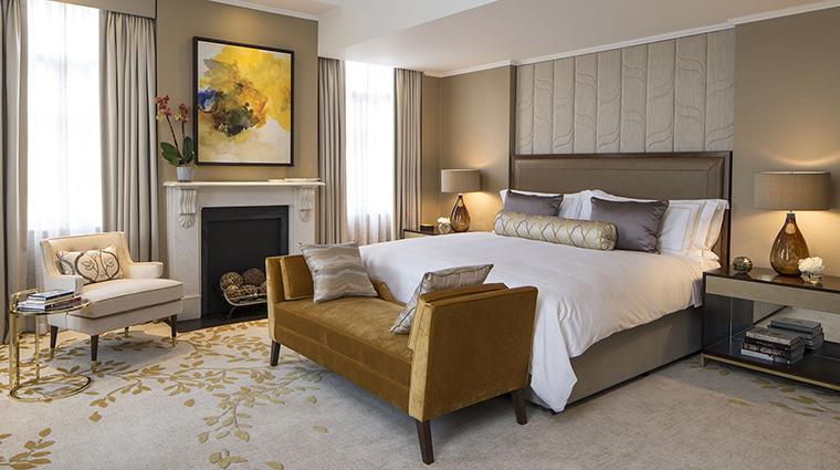 Property GrosvenorHouse Hotel GuestroomSuite RoyalSuiteBedroom MarriottInternationalInc