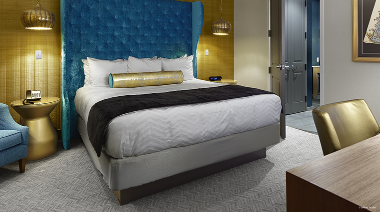 Property GuesthouseatGraceland Hotel GuestroomSuite BayBedroom JefferyJacobs