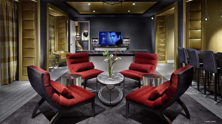 Property GuesthouseatGraceland Hotel GuestroomSuite ElvisSuiteParlor JefferyJacobs