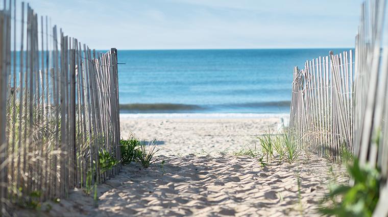 Property GurneysMontaukResort Hotel PublicSpaces BeachWalkway GurneysMontaukResort&SeawaterSpa