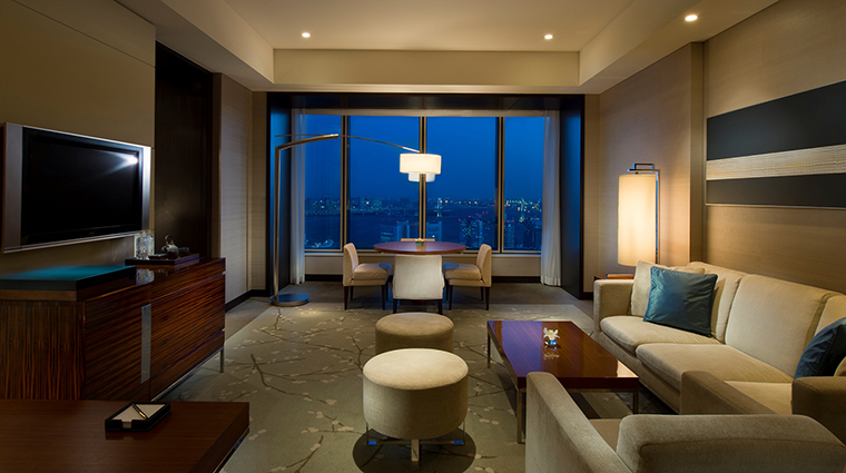Property Hotel ConradTokyo CornerSuite CreditHiltonWorldwide