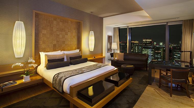 Property Hotel MandarinOrientalTokyo MandarinSuiteGrandBedroom CreditMandarinOrientalHotelGroup