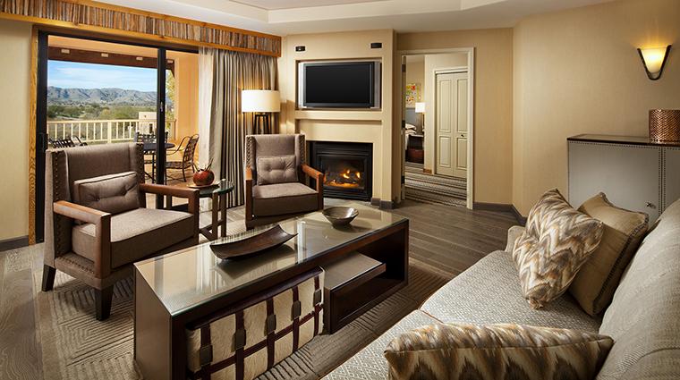 Property Hotel SheratonWildHorsePass DeluxeSuiteLivingRoom CreditStarwoodHotels&ResortsWorldwideInc