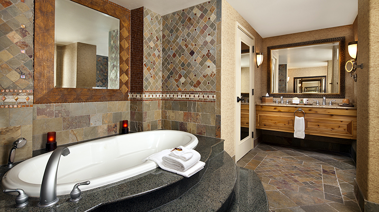 Property Hotel SheratonWildHorsePass PresidentialSuiteBathroom CreditStarwoodHotels&ResortsWorldwideInc