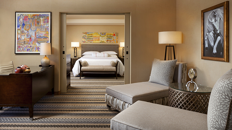 Property Hotel SheratonWildHorsePass PresidentialSuiteBedroom CreditStarwoodHotels&ResortsWorldwideInc