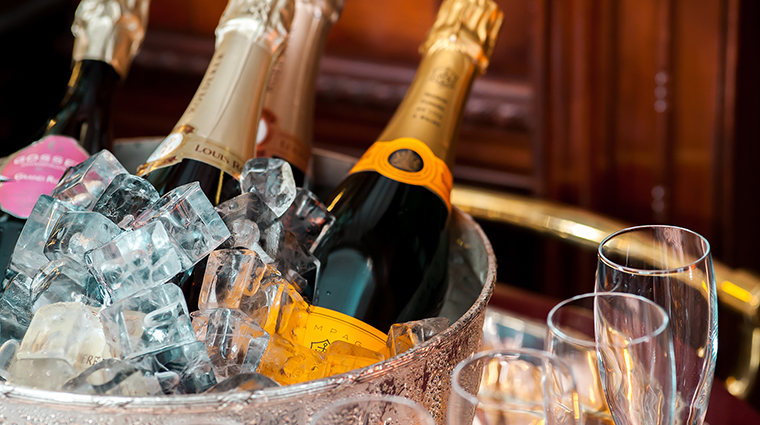 Property Hotel41 Hotel BarLounge ExecutiveLoungeChampagne TheRedCarnationHotelCollection