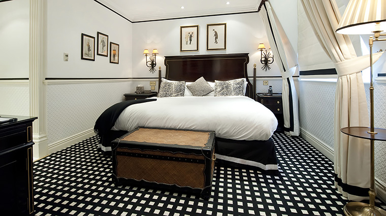 Property Hotel41 Hotel GuestroomSuite ExecutiveKing TheRedCarnationHotelCollection