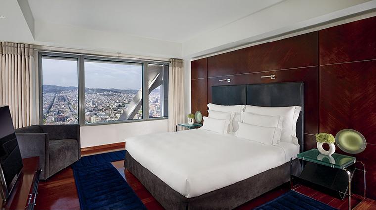 Property HotelArtsBarcelona Hotel GuestroomSuite PenthouseBedroomwithView HotelArtsBarcelona