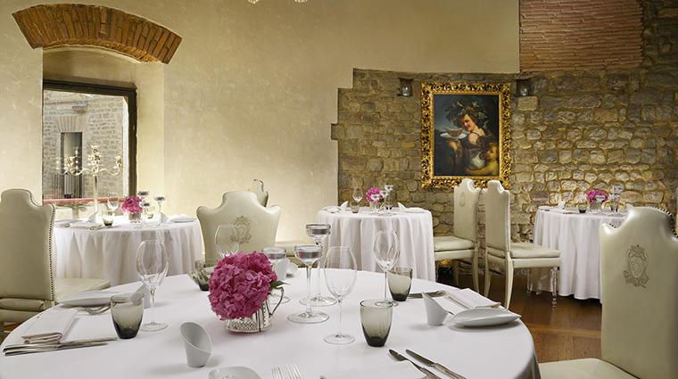 Property HotelBrunelleschi Hotel Dining SantaElisabettaRestaurant HotelBrunelleschiFirenze