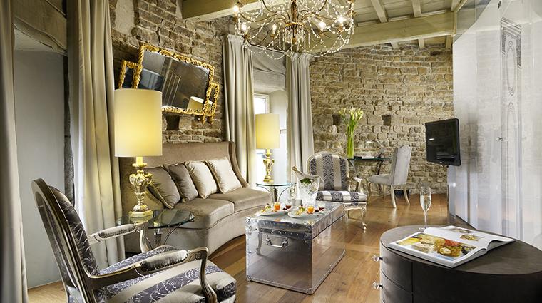 Property HotelBrunelleschi Hotel GuestroomSuite PagliazzaTowerSuite3rdFloorLivingRoom HotelBrunelleschiFirenze