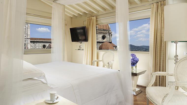 Property HotelBrunelleschi Hotel GuestroomSuite PoolSuiteBedroom HotelBrunelleschiFirenze