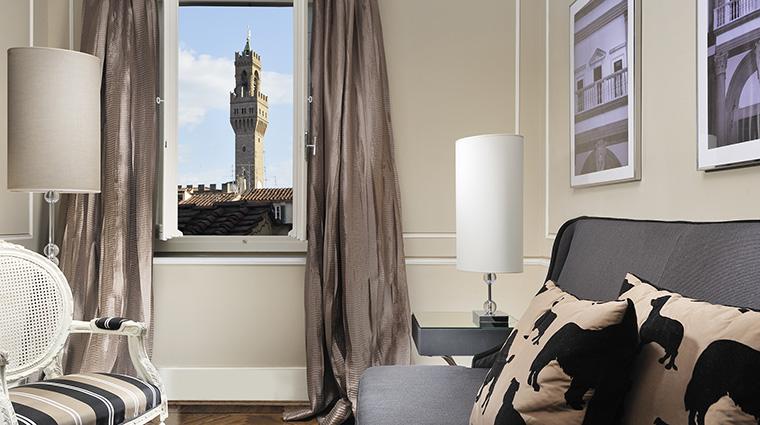 Property HotelBrunelleschi Hotel GuestroomSuite TwoBedroomSuiteLivingRoom HotelBrunelleschiFirenze