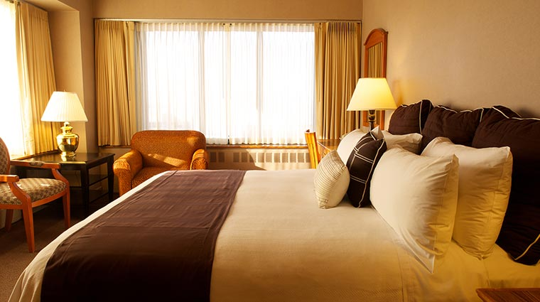 Property HotelCaptainCook Hotel GuestroomsSuites Guestroom CreditHotelCaptainCook