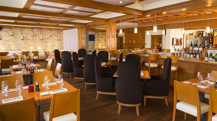 Property HotelLeBonneEntente 13 Hotel Restaurant MCLounge DiningRoom CreditHotelLeBonneEntente